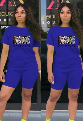 T-shirt imprimé de dessin animé bleu de sports décontractés d'été et ensemble de deux pièces de short assorti