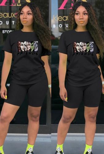 T-shirt imprimé de dessin animé noir de sports décontractés d'été et ensemble de deux pièces de short assorti