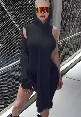 Minivestido elegante com capuz preto com capuz e um ombro elegante para outono