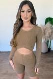 Fall Sexy Khaki Knitted Cuello redondo Manga larga Crop Top y Conjunto de pantalones cortos delgados