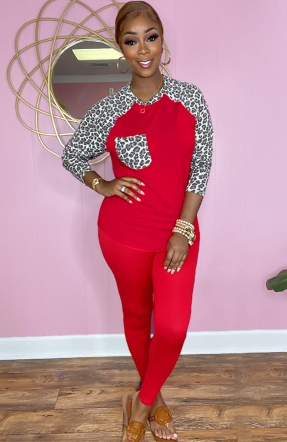 Conjunto de pantalón y top de manga raglán con estampado de leopardo rojo casual de otoño
