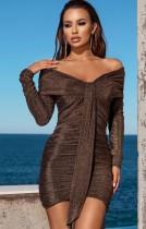 Mini vestido fruncido de manga larga con hombros descubiertos marrón sexy de otoño