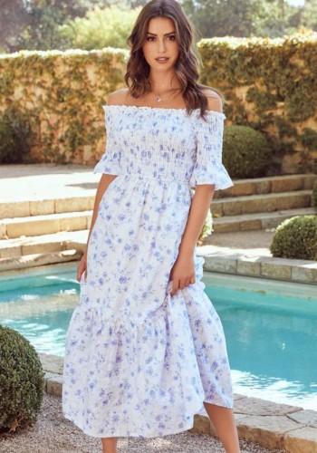 Vestido largo de manga corta con hombros descubiertos y estampado de flores blancas de verano