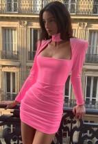 Mini vestido acanalado de manga larga con hombros descubiertos y cuello alto rosa sexy de otoño