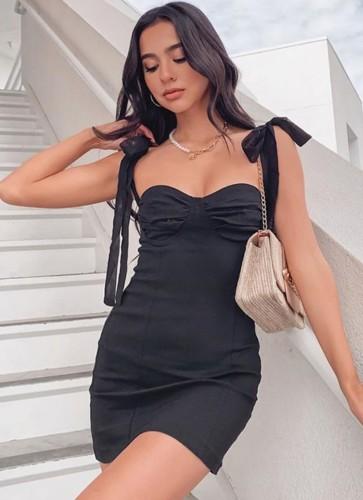 Mini robe de club chérie d'été noire à bretelles à lacets