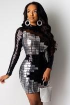 Winter Party kontrastierendes, figurbetontes Kleid mit Pailletten und langen Ärmeln