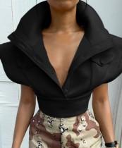 Abrigo corto de invierno negro con hombros anchos y bolsillos
