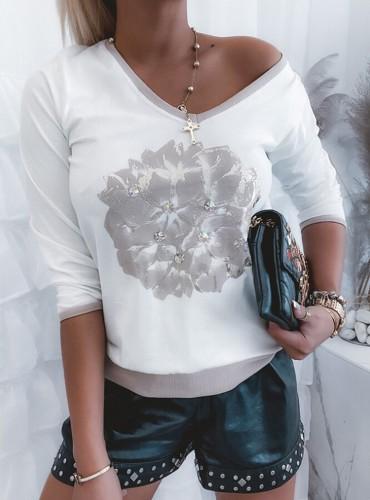 Осенний белый пуловер с V-образным вырезом и цветочным принтом