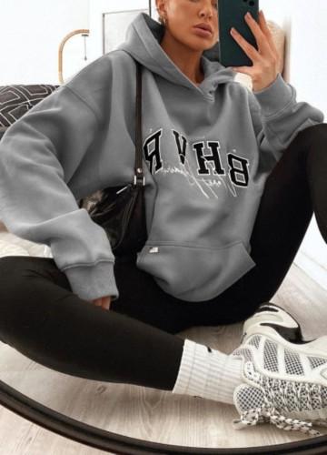 Серый свободный свитшот с капюшоном и принтом «Осенний пуловер» с карманом