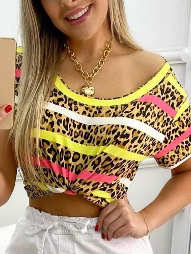 Летняя рубашка с короткими рукавами и круглым вырезом в полоску с леопардовым принтом