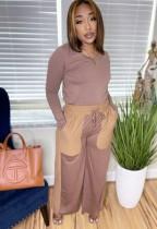 Top a maniche lunghe con scollo a V marrone causale autunnale e pantalone con tasca a contrasto