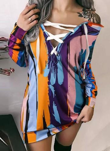 Langärmliges Hemdkleid mit Herbst-Print zum Schnüren