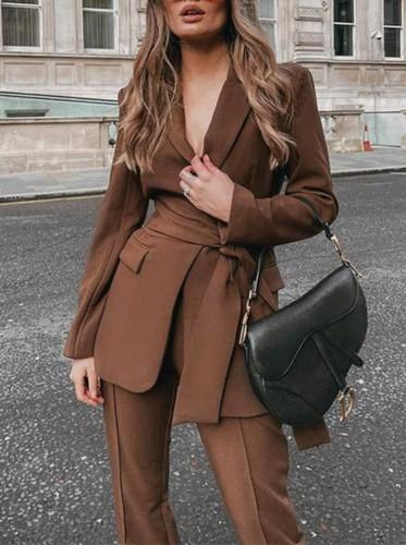 秋のプロのブラウンオフィスブレザーとパンツスーツ、お揃いのベルト付き