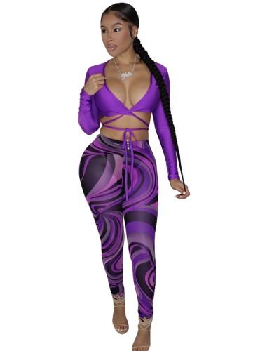 秋の紫のセクシーな長袖クロップトップとプリントレギンスセット