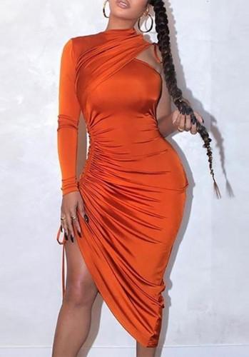 Abito lungo autunnale sexy arancione con volant su una spalla