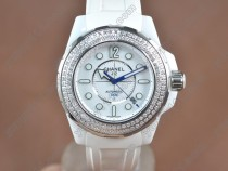 シャネルChanel J12 43mm White Ceramic RU/Diam White 2824-2自動巻き