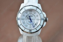 シャネルChanel J12 White Ceramic RU/White Swiss Eta 2824-2自動巻き