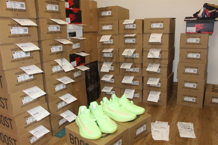Adidas Yeezy Boost 350v2 Glow in the dark