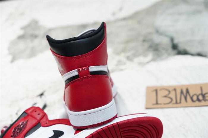 Air Jordan 1 Retro Chicago