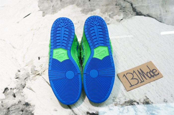 Nike SB Dunk Low X Grateful Dead  Green Bear