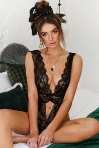 Black Lace Scalloped V Neck Teddy
