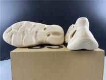 Adidas YZY Foam Boost013