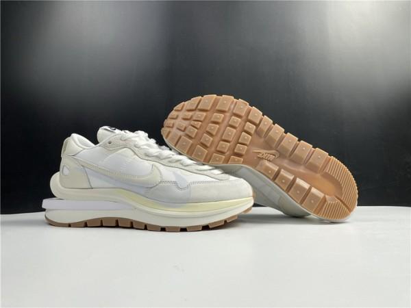 Nike Vaporwaffle Sacai Sail Gum