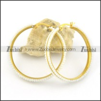 2 inch gold hoop earrings with off-white beads e000779