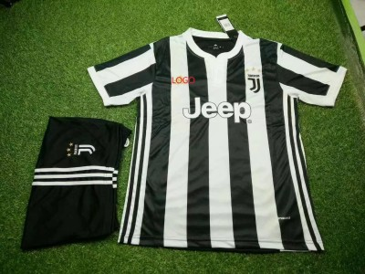 17-18 Cheap Adult Juventus Home Soccer Jersey Uniform Black Men Football Jersey Shirt+Short