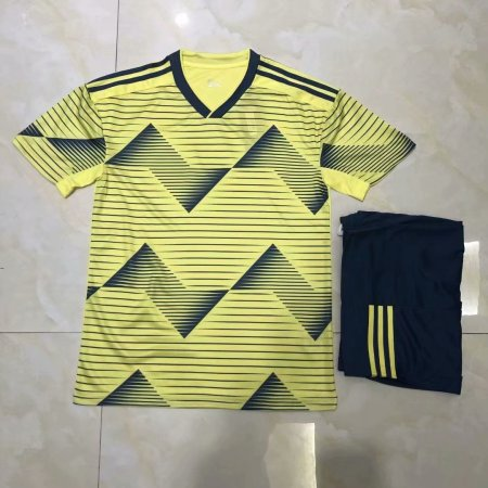 19/20 AAA Quality  children Blank version yellow Soccer uniforms