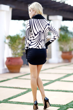 Women Winter Spring Dresses Fashion Scarf High Neck Mini Dress Black White Patchwork Printed Long Sleeve Party Dress
