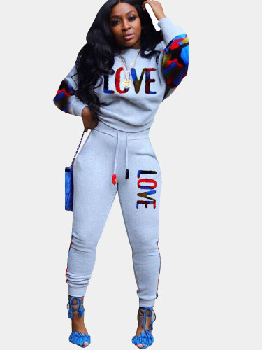 Spliced Women Sporty Set with LOVE Logo