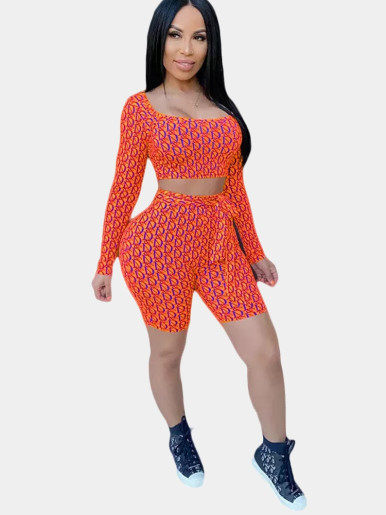 Letter Print Crop Top and Tie Waist Shorts Women Sets
