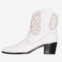 Arden Furtado 2021 Winter Fashion boots Pointed Head Elegant Zipper  white Serpentine  ankle boots Big size 42 43