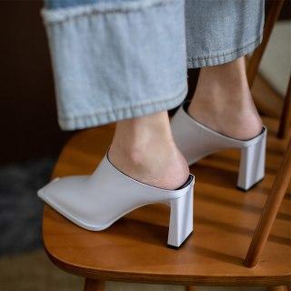 Arden Furtado Summer Fashion 2021 Women's Shoes Sexy  Square Head Elegant Slippers Chunky Heels White  Mules heels