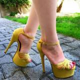 Arden Furtado Summer Spring Elegant open-toed A word strap Stilettos heels Women's shoes Sexy Fashion Yellow Buckle Waterproof Taiwan Heels Sandals46 47