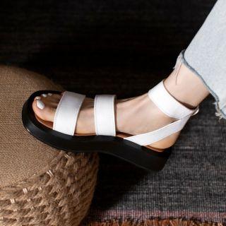 Arden Furtado 2021 Summer Fashion Women's Shoes White Buckle  Sexy Elegant Flats Genuine Leather  Sandals