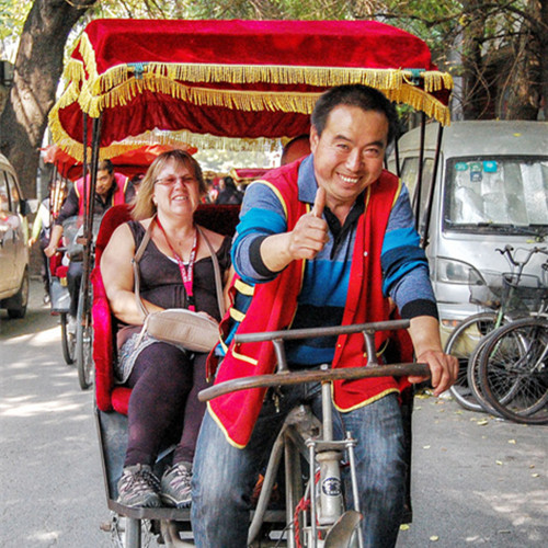 Beijing Hutong rickshaw tour with local family visit and lunch