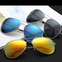 The classic colorful unisex sunglasses with 9 different colors