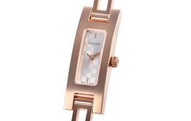 グッチ時計コピー レクタンギュラー シルバー文字盤 クォーツムーブメント搭載 YA039548