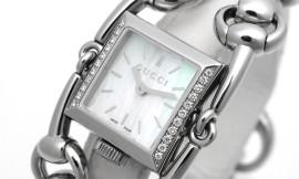 グッチ時計コピー シニョーリア ホワイト文字盤 クォーツムーブメント搭載 YA116505