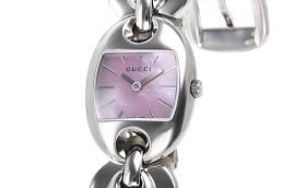 グッチ時計コピー マリナチェーン シェル文字盤 クォーツムーブメント搭載 YA121519