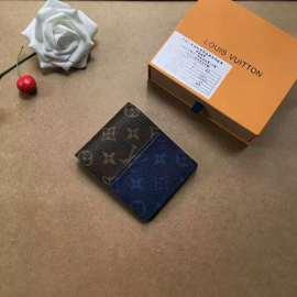 ルイヴィトン財布コピー LOUIS VUITTON 2020新作 二つ折り財布 M60895-16