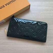 ルイヴィトン財布コピー LOUIS VUITTON 2020新作 ラウンドファスナー財布 M60017-75