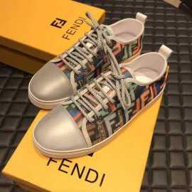 フェンディ靴コピー 定番人気2020新品 FENDI 男女兼用 スニーカー