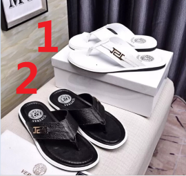 ヴェルサーチェ靴コピー 大人気2020新品 VERSACE メンズ サンダル-スリッパ 2色