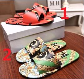 ヴェルサーチェ靴コピー 2020新品注目度NO.1 VERSACE メンズ サンダル-スリッパ 2色