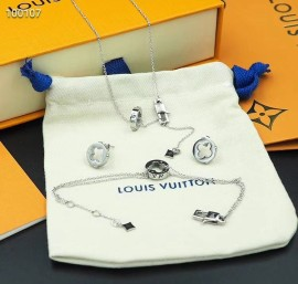 LouisVuittonルイヴィトンネックレスペンダントスーパーコピー三件套