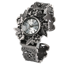 Black New Fashion Flower Shape Watch for Women, Elegant Bracelet Watch for Girls, Hollowed Out Strap Quart Watch for Lady