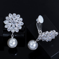 Pearl Flowers Shining Zircon Eearrings Fashion Small Fresh Ladies Earrings Jewelry